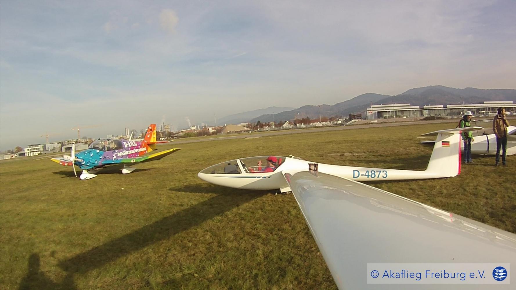 Segelfliegen am Flugplatz Freiburg